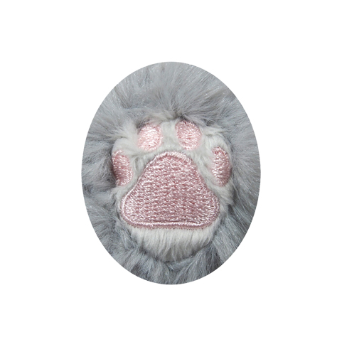 足裏には肉球の刺繍入り。
