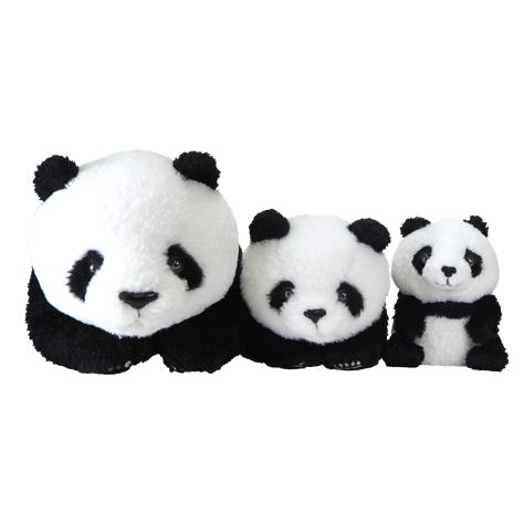 3サイズ並べても可愛い!(左:ひざぱんだM)(中央:ひざぱんだS)(右:フラッフィーズS)